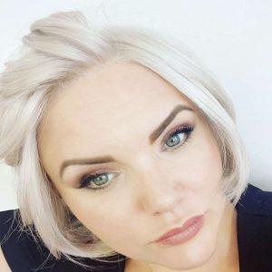 Reika   Fibre Wig   Sentoo Collection   Trendco   Amanda   Front   Hair to Ware